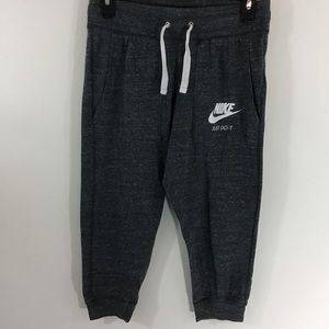 Nike crop gray sweatpants, small